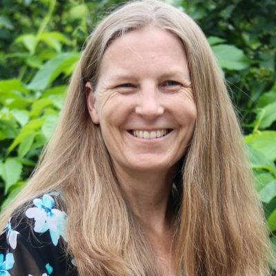 Stacey Lynn Luetmer, MD