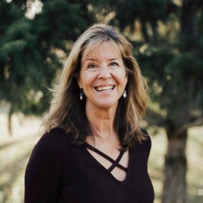 Leslie  Stone, MD